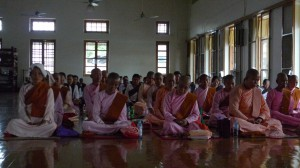 Nuns and Lay Women in the Meditation Hall MSY